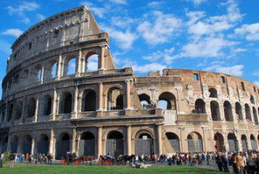Flash mob al Colosseo per denunciare condizioni operatori beni culturali