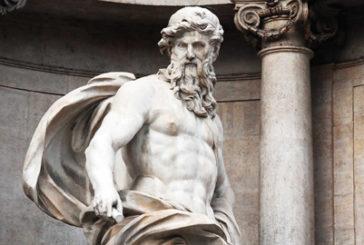 Roma, false indicazioni per Fontana Trevi. Cartelli e asfalto ripuliti