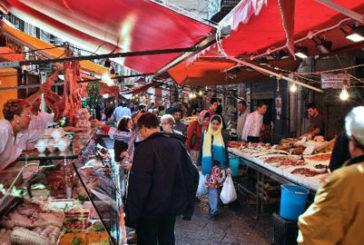Palermo, per le vie del Capo passeggiate condite da performance artistiche