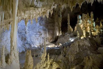 Le Grotte di Frasassi puntano su scuole, famiglie e wedding tourism