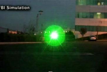 Raggio laser acceca pilota, e da Londra parte la rivolta
