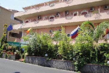 Hotel dell'Alcantara rischia fallimento, appello a TO e adv
