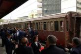 Boom di viaggi sui treni storici alla scoperta della provincia italiana