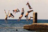 Troppi turisti, sindaco vieta bagni in area tutelata Salento