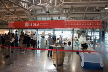 All'aeroporto Cagliari apre shop per vendita prodotti artigianato sardo