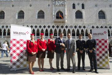 Volotea finanzierà il restauro della balconata di Palazzo Ducale
