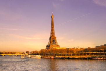 Francia fallisce obiettivo dei 100 milioni di turisti nel 2020