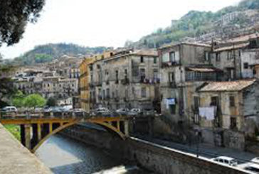 Turisti riscoprono Cosenza, ma i collegamenti sono carenti