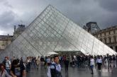 Scioperanti bloccano ingresso Louvre: la direzione chiude il museo parigino