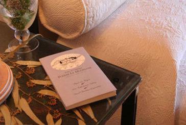 Mini libri d'autore per accogliere gli ospiti negli alberghi