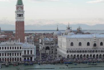 Venezia come Disneyland, critica del Nyt sull'eccesso di turisti nella città lagunare