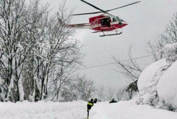 Neve sommerge hotel, mezzi di soccorso bloccati. Molti i dispersi