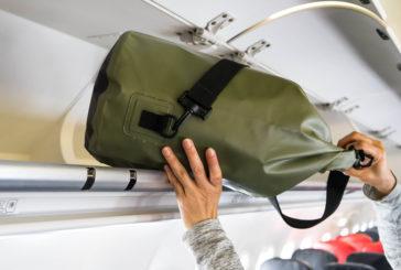 Oggetti in tasca e vestiti a cipolla: i trucchi degli italiani per non imbarcare la valigia