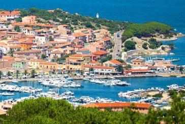 Urto tra due navi in porto Olbia per forte vento, danni a traghetto Tirrenia