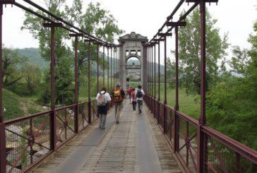 Sulla Via degli Dei escursione per ipovedenti con guide e accompagnatori esperti