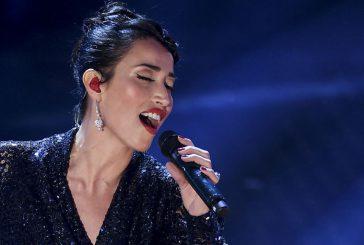 Courmayeur apre la nuova stagione invernale con albero di Natale e concerto Nina Zilli