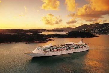Royal Caribbean sospende le crociere a livello globale