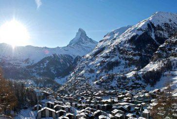 Un metro di neve a Zermatt: 13mila turisti isolati in Svizzera