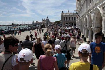 Caner chiede a Governo bonus fiscale per chi farà vacanze in Italia