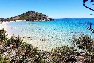 In Sardegna tra tassa di soggiorno e spiagge a numero chiuso