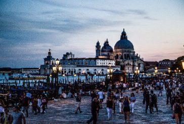 Dall'1 luglio a Venezia scatta 'tassa sbarco' per turisti: ticket da 3 a 10 euro
