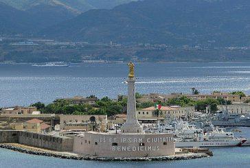 A Messina gli studenti accolgono i crocieristi