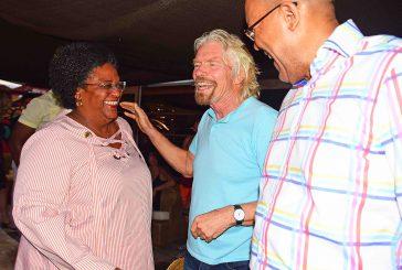 A Barbados apre la prima spiaggia al mondo con il banco check-in Virgin Atlantic