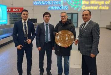 Uzbekistan abolisce visti, festa per arrivo primo turista italiano