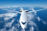 Macron annuncia ecotassa sui biglietti aerei: da 1,50 a 18 euro per i voli dalla Francia