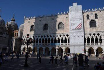 Venezia, Volotea finanzia il restauro della balconata di Palazzo Ducale