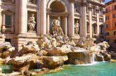 Virginia Raggi inaugura la nuova illuminazione della Fontana di Trevi