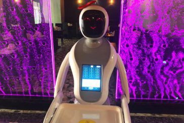 Robot serve ai tavoli di un sushi-bar, l'esperimento in Sardegna