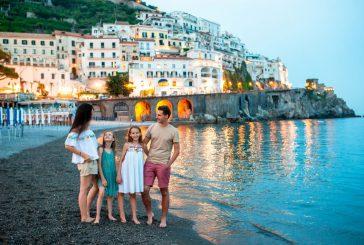 Boom turisti russi a Napoli e in Costiera Amalfitana, 1.000 euro scontrino medio