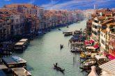 Venezia rinvia di un anno ticket ingresso. Brugnaro: sarebbe anacronistico