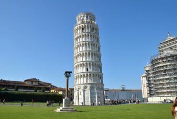 Pisa, incidono nome su Torre pendente: arrestati due turisti americani