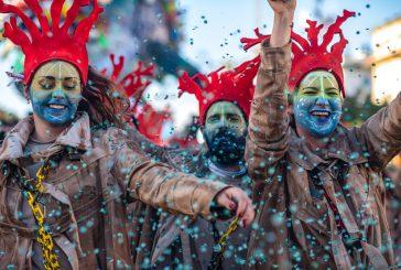 I nuovi idoli, crisi della cultura, abuso dei social tra i temi dei carri del Carnevale di Viareggio