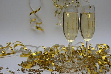 Riempiamo il bicchiere per brindare insieme ad un sereno 2020