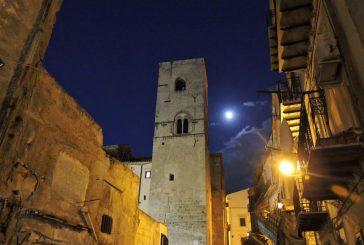 Notte di San Valentino a lume di candela sui tetti di Palermo