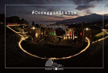 Taormina, messaggio di speranza dal teatro antico illuminato dal Tricolore